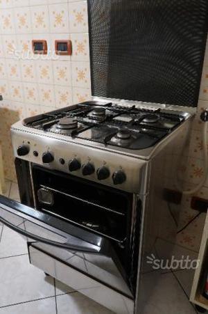 Ariston 7 cuochi fornelli a gas e forno elettrico posot - Cucina a gas ariston ...