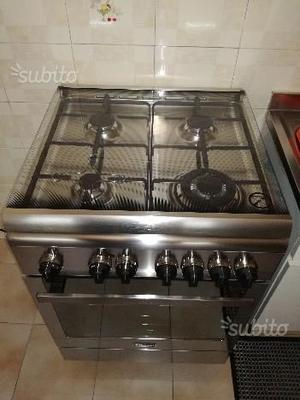 Cucina a gas con forno elettrico plurifunzione de'