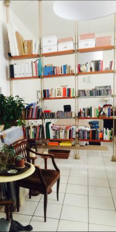 Libreria/divisorio di design PORADA. Altezza regolabile max