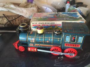 Locomotiva giocattolo d'epoca vintage