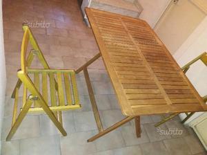 Tavolo da esterno con 2 sedie in legno