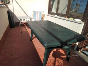 Tavolo da giardino in resina con prolunghe