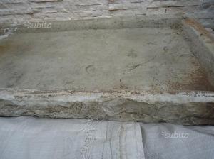 Lavabo in pietra d'Istria del 600