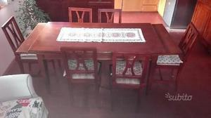 Tavolo allungabile e sei sedie