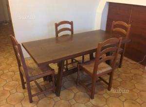 Tavolo in castagno e 4 sedie in noce del Veneto