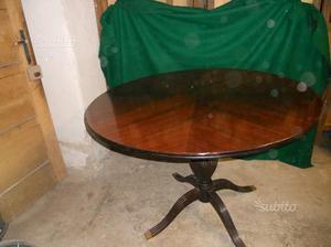 Tavolo rotondo + sei sedie