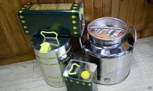 Fustini in acciaio inox e lattine per olio