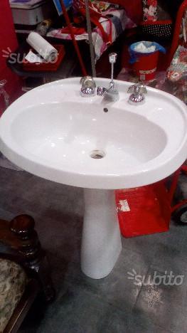 Lavandino piu colonna e rubinetto colonna leggero