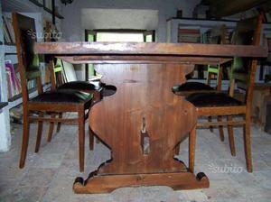 Tavolo in legno massello con 4 sedie