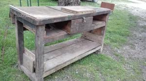 Antico tavolo da falegname