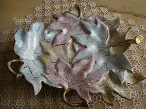Centrotavola a forma di foglie in ceramica anni 60