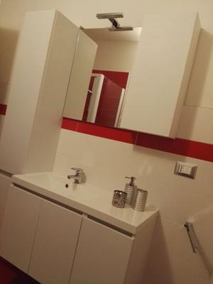 Mobile bagno con colonna e box docvia