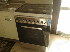 Cucina a gas a in acciaio inox 4 fuochi forno posot class - Cucina ariston 4 fuochi ...