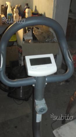 Cyclette con cardio e computer rullo da 7 kg