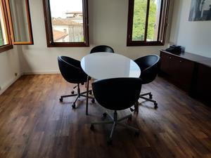 Poltrona ufficio ikea skruvsta bianca usata posot class - Tavolo con sedie ikea ...