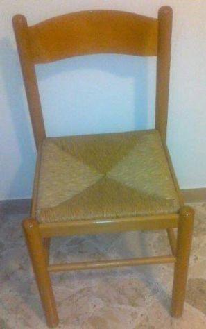 4 sedie impagliate in legno massello, ottime condizioni