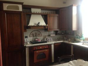 Cucina componibile con ante in legno massello posot class - Smontare cucina componibile ...