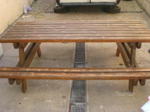 Tavolo da giardino con panca