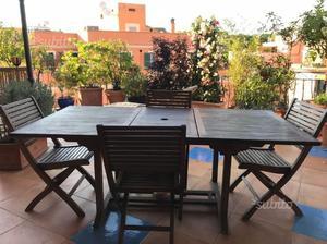 Tavolo in legno Tek con 4 sedie abbinate