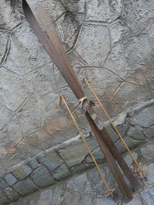 Coppia di sci in legno, fine '800 - inizio 900