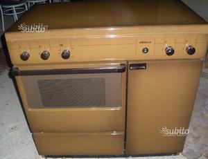 Cucina 4 fuochi con forno a gas