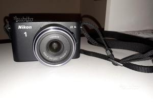 Fotocamera digitale mirrorless NIKON 1 J2