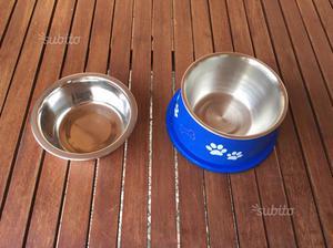 Due ciotole per cani piccola taglia