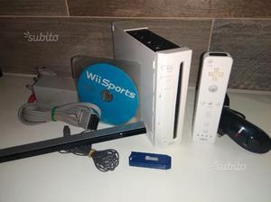 Nintendo Wii Bianca completa con 3 giochi