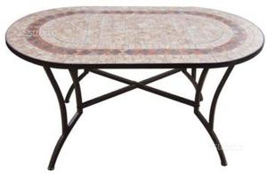 Tavolo in mosaico nuvola e sedia in ferro posot class for Tavolo rotondo mosaico