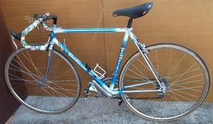 Bicicletta da corsa vintage tommasini