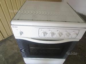 Cucina a gas /con forno elettrico