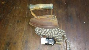 Ferro da stiro antico elettrico