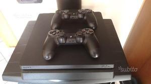 Playstation 4 Slim con 2 joystick come nuova