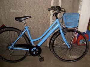 Bici donna azzurra