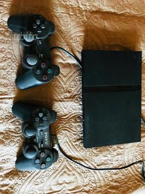 PlayStation 2 con 2 joystick e memory 8