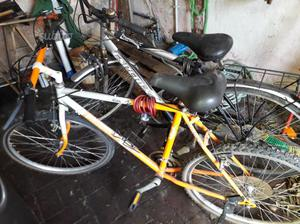 2 bici al presso di una