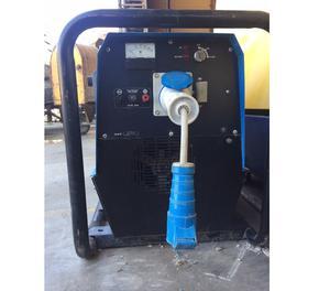 Generatore di corrente diesel w avviamento posot class for Generatore di corrente diesel usato