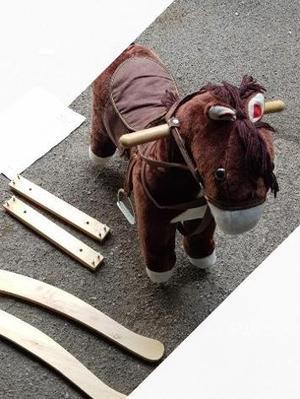 Cavallo a dondolo in legno e peluche de. Car