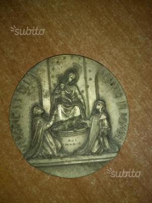 Applique antica Madonna del Rosario di Pompei