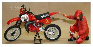 Modellini moto e baheca legno