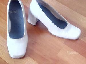 Scarpe eleganti tacco colore avorio n.38