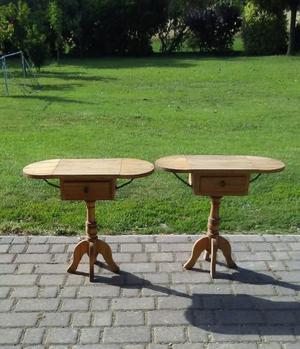 Coppia tavolini in legno di abete anni 70 richiudibili