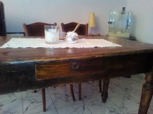 Tavolo con 4 sedie in stile