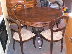 Tavolo da salone allungabile con 4 sedie in legno
