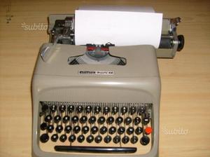 Macchina da scrivere Olivetti Studio 44