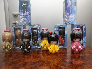 Bambole da collezione kokeshi