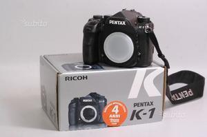 Fotocamera digitale reflex full frame pentax k-1