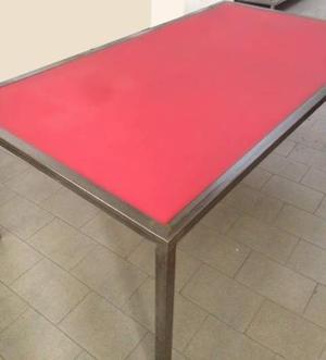 Tavolo con struttura in ferro