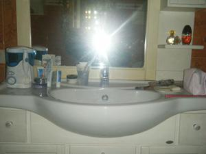 Svendo a prezzo ribassato mobile bagno con specchiera +base