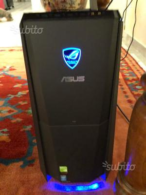 Pc Asus rog tytan con pacchetto pro gaming